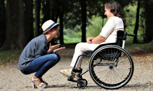 What is the Best Electric Wheelchair: Top 4 Lightweight Wheelchairs Reviews