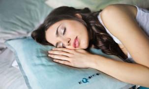 8 Best Pillows for Side Sleepers: Latex vs. Memory Foam vs. Buckwheat