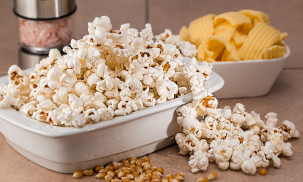 What is the Best Popcorn Popper in 2021: Hot Air or Oil Popper