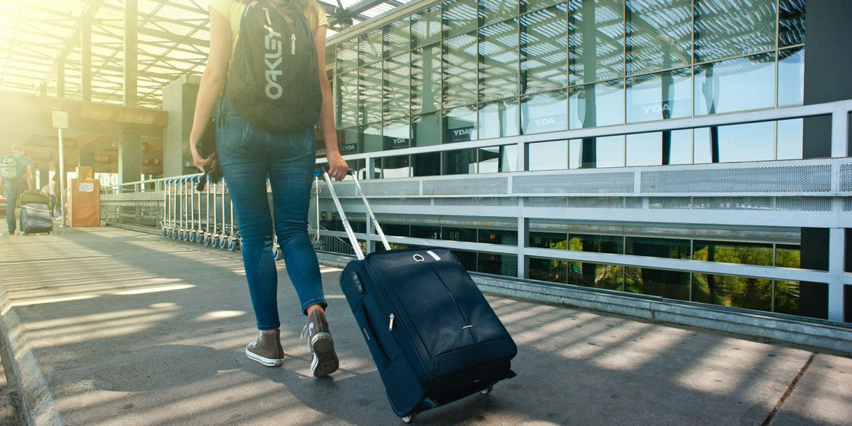 5 Things You Should Have in Your Travel Bag
